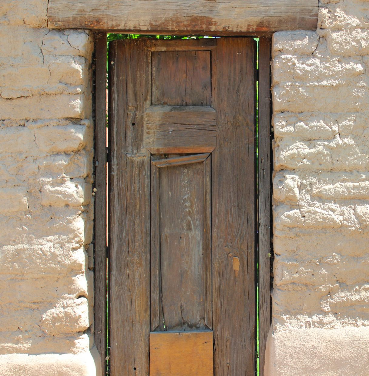 Below we\u0027ve collected a few of our favorites that have a-door-ned entries throughout our travels. (S0 soooooo sorry \u2026 couldn\u0027t resist!) & Southwestern Decor: Wooden Doors | Southwest Discovered